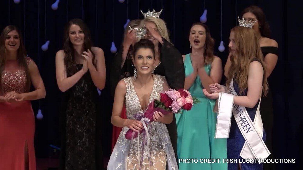 Madison Murray of Corvallis was crowned Miss Montana 2017 on Saturday in Glendive.