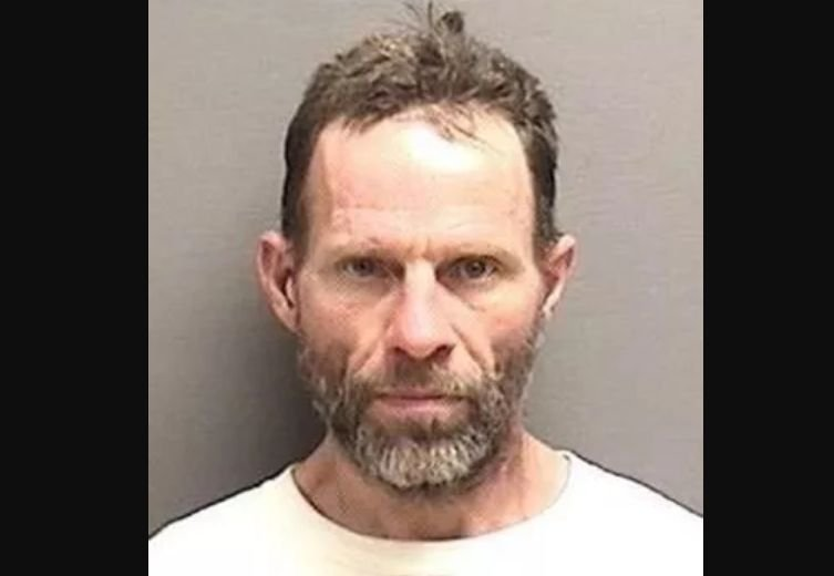 The United States Marshals Service District of Montana has issued a BOLO Alert (Be On the Look-Out) for Darol Roberts.