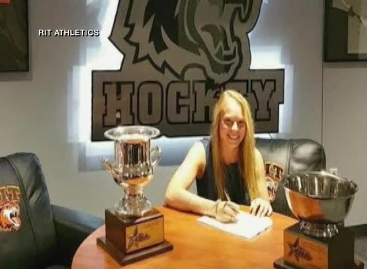 Celeste Brown signs contract to play pro hockey