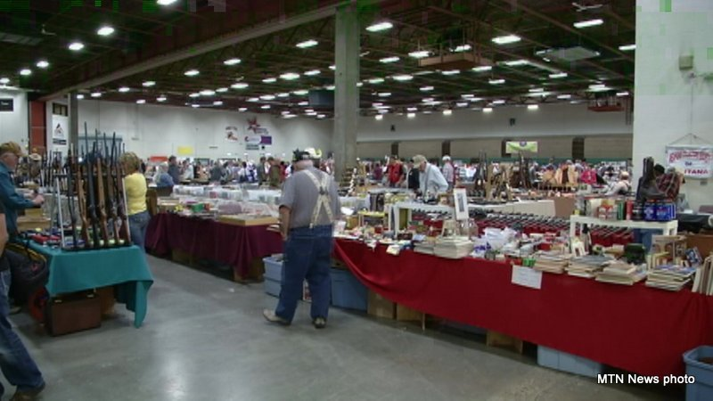 Fall Gun and Antique Show held at the Montana ExpoPark this weekend (MTN News photo)